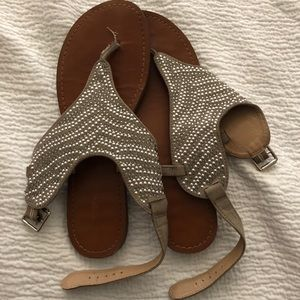 Shoes - Cute Sandals 8.5